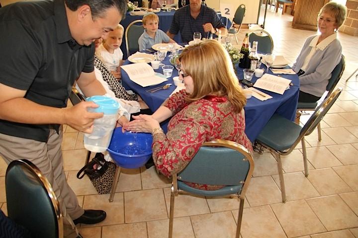 Seder Dinner 5 - Copy_1404326459552